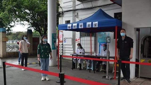 加强校园疫情防控,桂林十七中引进人脸识别测温仪