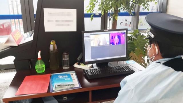 红外人体测温仪实时多人同测,快速体温筛查