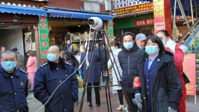 """科技战""""疫""""!寿宁这个农贸市场用上非接触式热成像测温仪"""